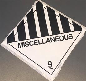 """Huomiotarra 100*100mm """"Miscellaneus LUOKKA 9"""""""
